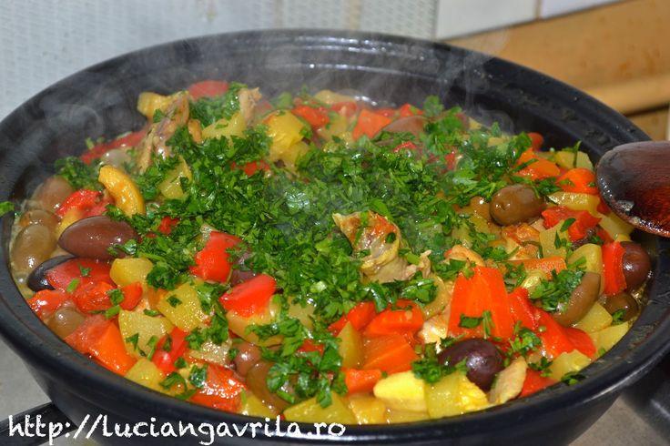 Morrocan Chicken & vegetables tajine