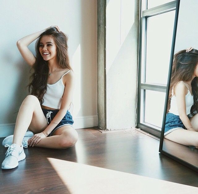 """(Vivian vo farmer) """"Hi im Sierra. I am 16. I know I may seen like they baby but I am far from one. I'm single but I have had me fair share of boys. I love to dance and be outside. Ironic huh."""" I giggle """"anyway I hope to meet yall"""""""