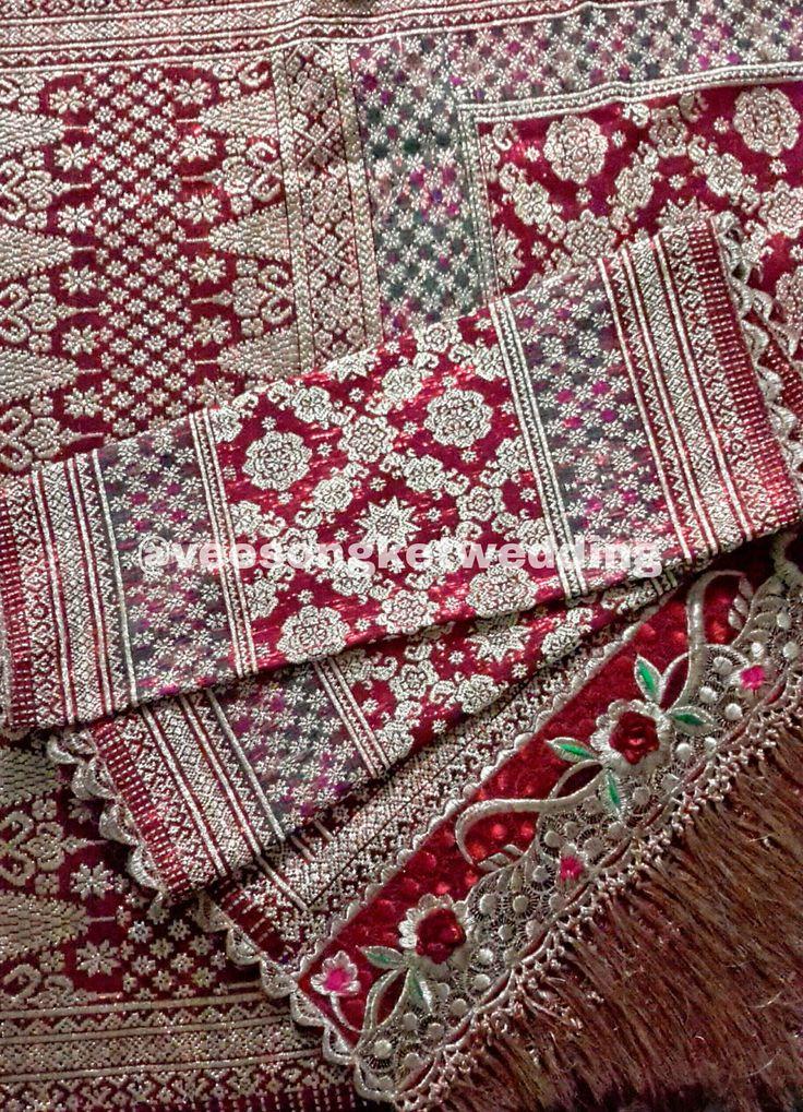 For Rent : Songket Palembang - Limar Kandang Tiga Negeri Sutera Lip Kemilau - tersedia 2 set (untuk seragam ibu pengantin / besanan) Tlp/SMS/WA : 081294422133