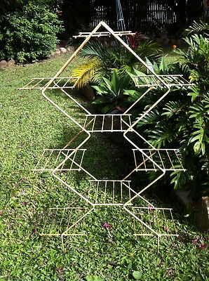 Love this one! Plant stand