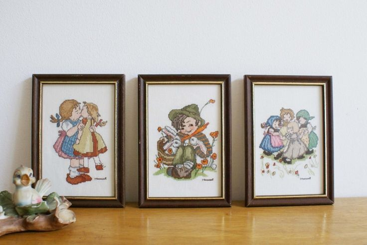 Set van 3 geborduurde schilderijtjes, Hummel. Vintage Hummeltjes handwerk prent.   Little people   Flat Sheep