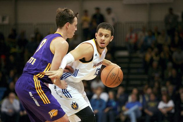 Seth Curry playing for the Santa Cruz Warriors in the D-league.