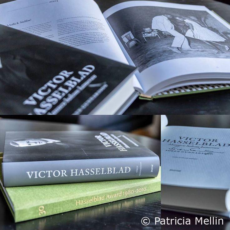 """Att fördjupa sig i fotohistoria gillar de flesta fotografer och inte minst jag. När jag läste fotografi var vi på ett intressant studiebesök på Hasselblads Center. Vi fick var och en ett exemplar av boken Hasselblads """"Howard 1980-2010"""". Väldigt spännande att titta på bilder från alla dessa som vann Hasselblads priset. Nu har jag Sören Gunnarssons bok """"Victor Hasselblad Mannen bakom kameran"""". Efter att ha lyssnat på Sörens berättelser om sin egen resa för att kunna skriva boken  har jag…"""