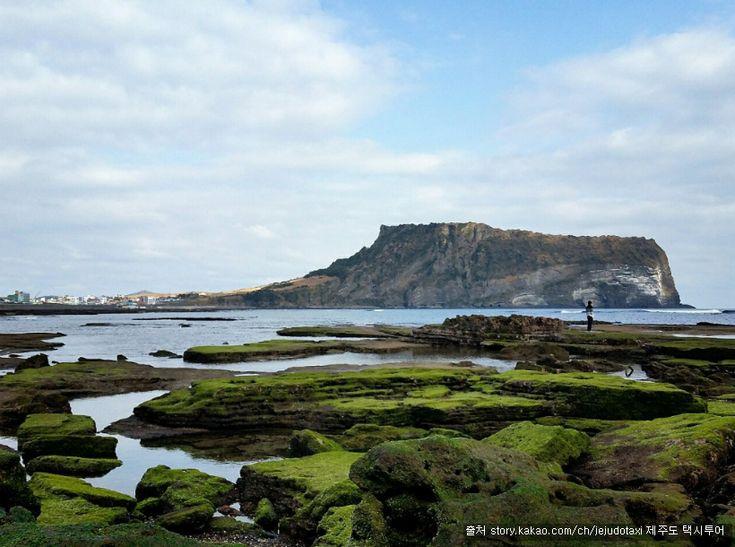 광치기해변 : 제주도 동쪽바다 아름다운 성산일출봉을 바라 보는 해변