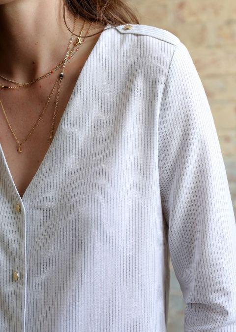 Fan des boutons de la blouse