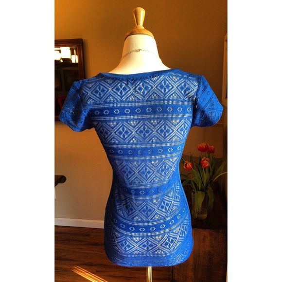 Boho crochet tee Waaayyyy cooler than your average blue tee, this crochet back number has never been worn and is ready to be shown off. I'm in love with derek Tops Tees - Short Sleeve