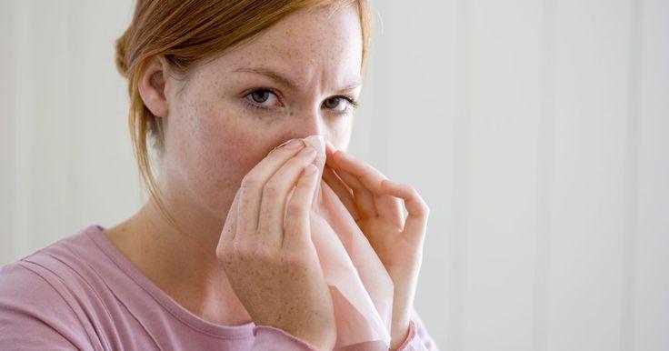 Como remover cravos do nariz. Seu rosto é seu cartão de visitas, e se você tiver problemas dermatológicos como acne ou espinhas, cabe a você fazer algo a respeito. Se for propenso a apresentar cravos no nariz ou em outros lugares, crie uma rotina de remoção que funcione. Leia as instruções abaixo para conselhos inestimáveis.