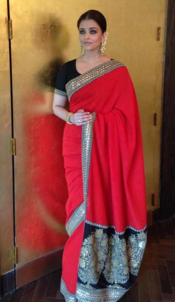 Aishwarya+Rai+Saree+Pictures+25.jpg (593×1024)