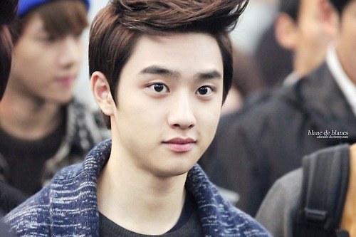I really want to poke D.O cheeks >.< (cr as tagged)