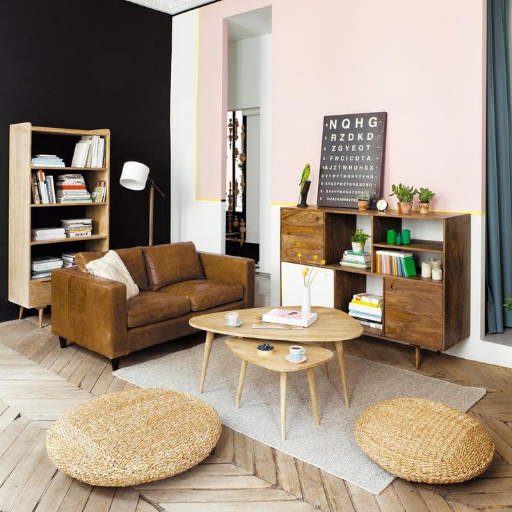 Pink living room with mid century accents | 3 seater leather vintage sofa in camel Henry | Maisons du Monde