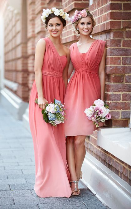Ombré coral! Gorgeous bridesmaid style