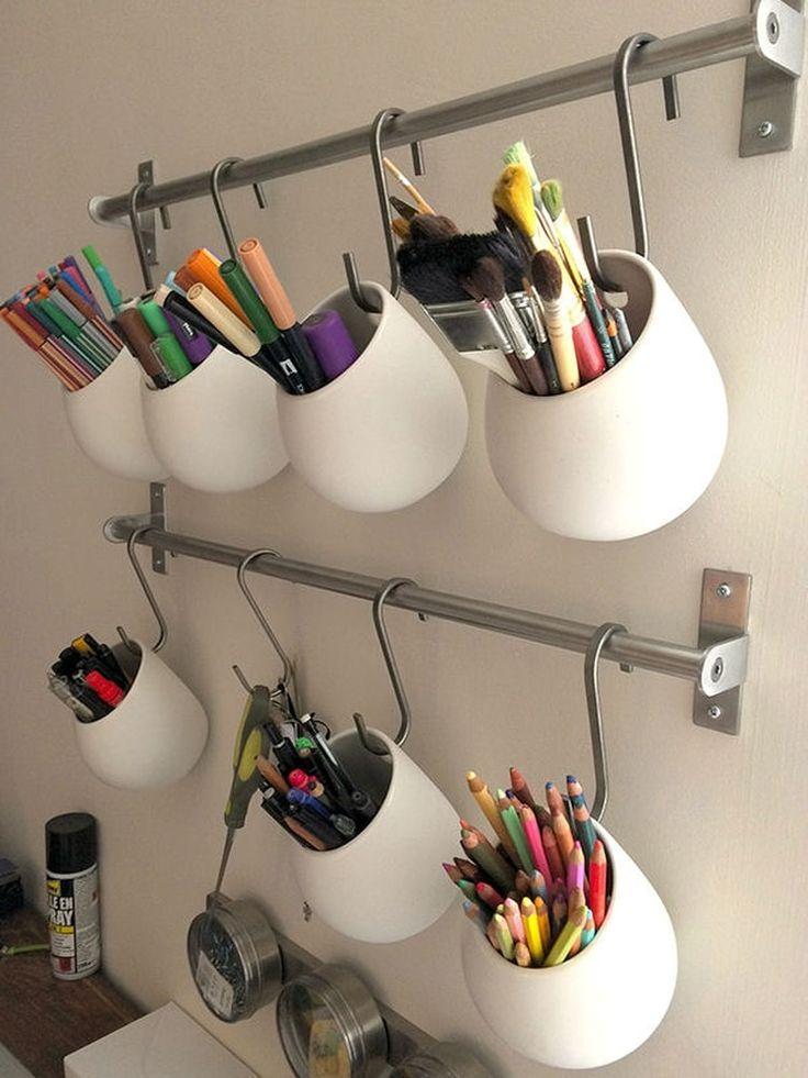 Pots à crayons en suspension