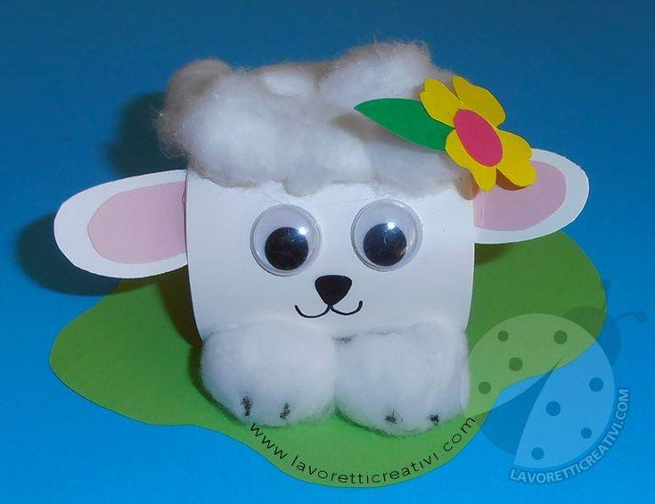 Lavoretti per bambini Pecorella pasquale con ovetto: con dei semplici cartoncini e ovatta potete realizzare il vostro portauovo.