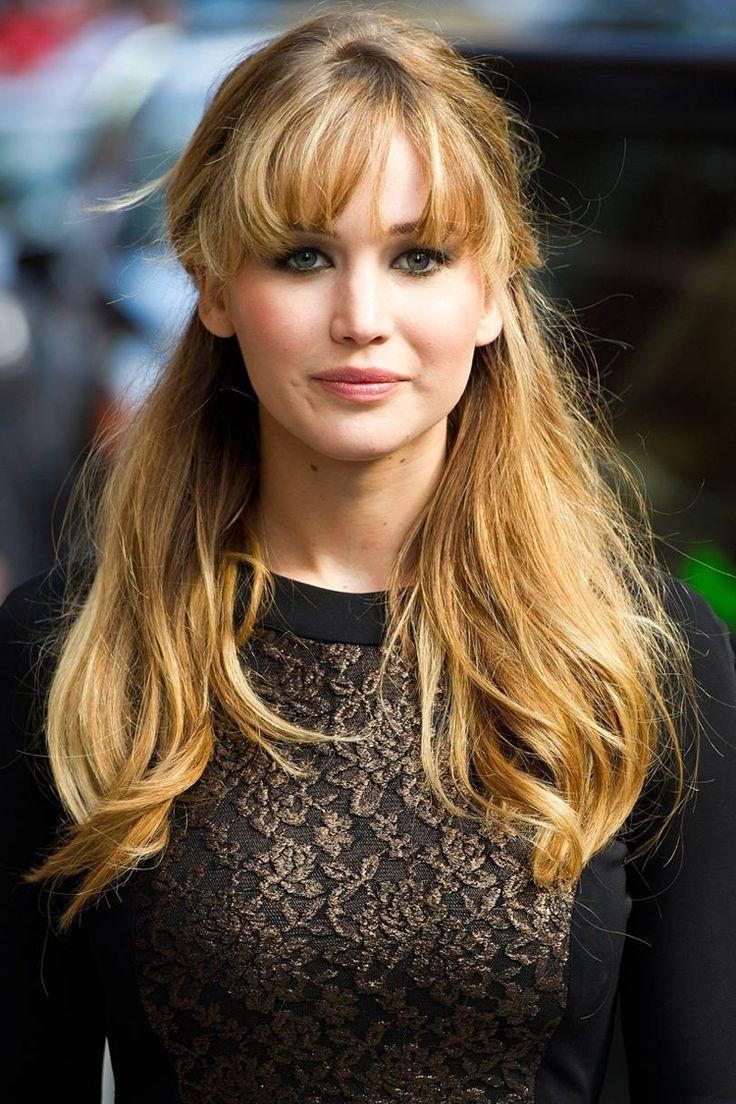 Jennifer Lawrence Frisur lange Haare halboffen mit Vollpony