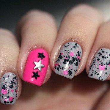 Hawt Punk nail art by Maria