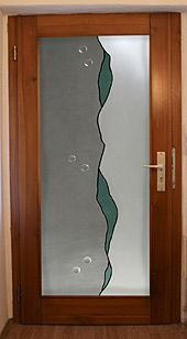 Haustür mit modernen Glasdesign