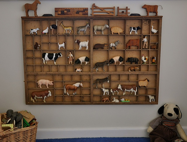 want an old type tray for just this purpose.: Farm Animals, Photos, Edies Animals Where, Decor Ideas, Farm Toys For Boys, Farms, Animal Collections