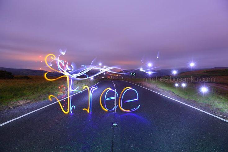 Long exposure light art : Michael Bosanko