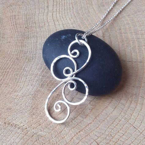 Collana in argento a spirale di fantasia