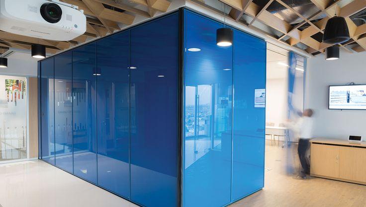 CISCO Blue Room  Rectangle Room | Cuarto azul, plafon irregular.