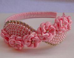 Tiara Florzinhas c/ Perolas Luxo Rosa