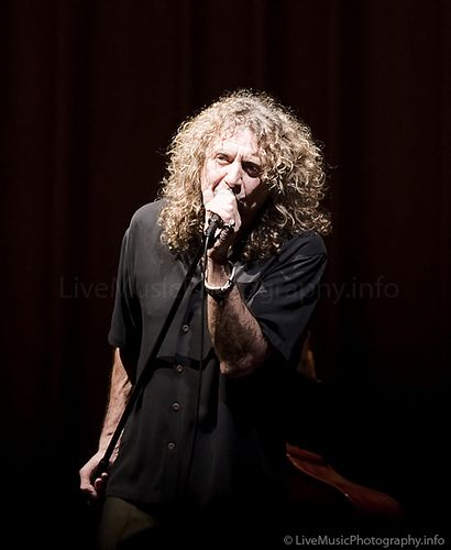 Robert Plant  - Sommet Center - Nashville,  TN 2008.  Photo © Collin Peterson.