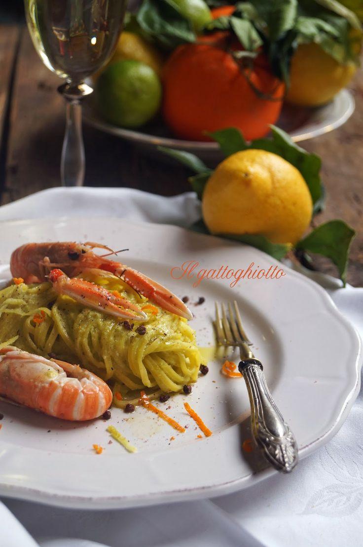 Tagliolini al pesto di agrumi con scampetti al Cointreau e pepe di Sichuan //// Noodles with pesto prawns with citrus and Cointreau Sichuan pepper
