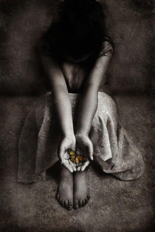 http://media.smashingmagazine.com/cdn_smash/images/dark-surreal-art/17.jpg