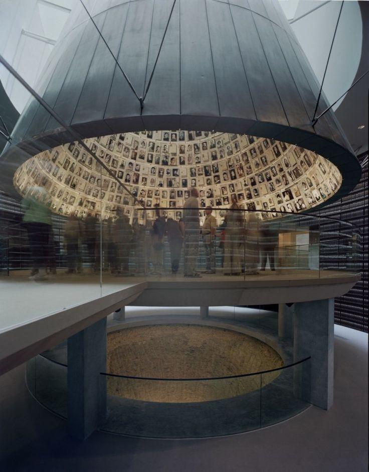 Flashback: Yad Vashem Holocaust Museum / Safdie Architects