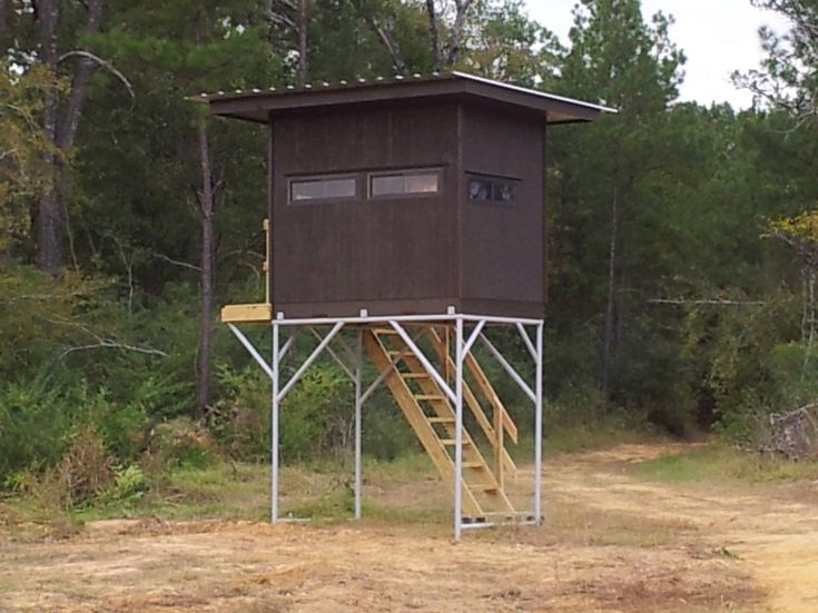 1000 images about tree stand ideas on pinterest for Elevated hunting blind designs