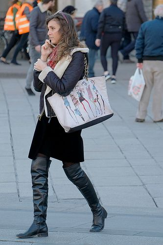 Candid Amateur Street Style Black Leather Flat Otk Boots