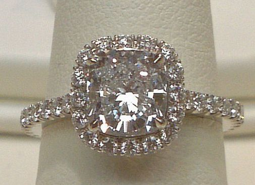 dear future husband... i would like this ring please!!: Halo Setting, Cushions Cut Halo, Diamond Rings, Halo Diamonds Rings, Cushion Cut Halo, Halo Sets, Dreams Rings, Hair Sliding, Engagement Rings