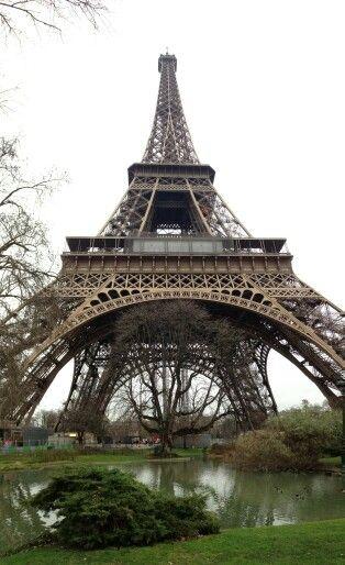 Tour le eiffel # Paris
