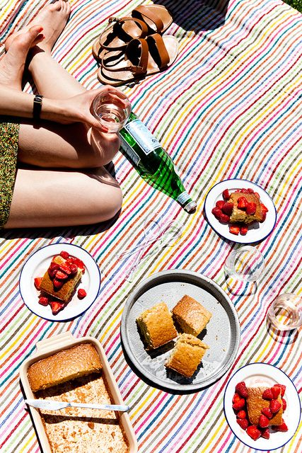 A colorful striped blanket is all you need to set the scene for a fun-in-the-sun…