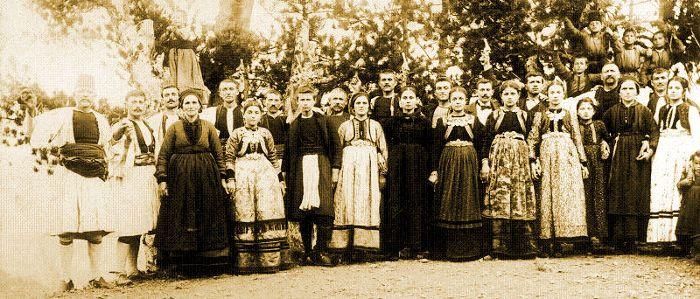 Φωτογραφία γάμου, αρχές 20ού αιώνα. Αφοί Μανάκια