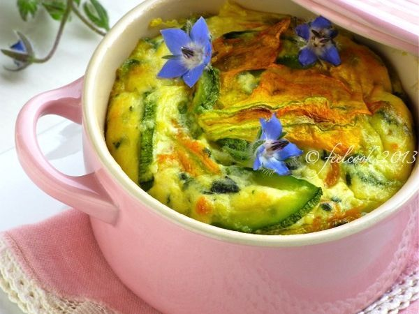 Gratin di zucchine, fiori e borragine