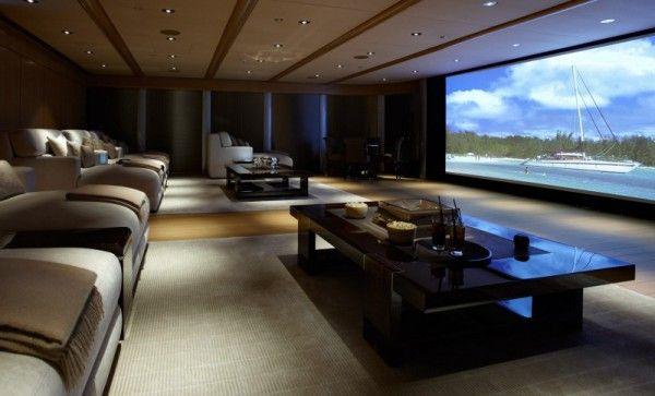 Домашний кинотеатр во всю стену