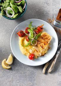 Kabeljauw met polenta en Picadillo en geroosterde tomaatjes