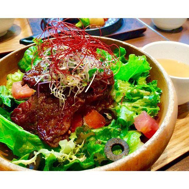 🥗🍽 #lunch #cafe #healthy #food #friends #health #travelingram #traveller #love #fun #ikebukuro #tokyo #japan #spring #yummy #vegetable #beef #soup #ランチ #サラダ #スープ #肉 #カフェ #池袋 #東京 #サロンモデル #サロモ #春 #カフェ巡り #大好き