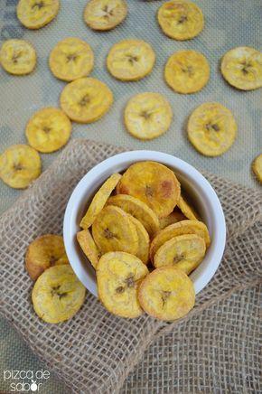 Snack o botana saludable ya que en vez de ir fritos como se acostumbra con las chips de plátano macho, estas van horneadas.