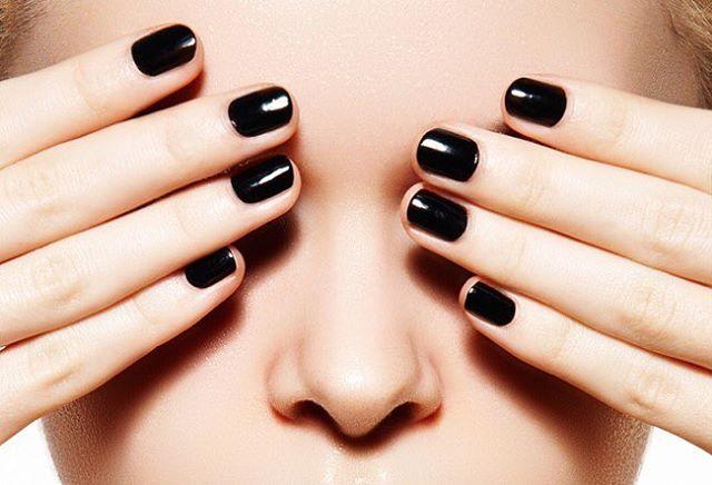 Nuestro Nail Bed Cleanser es perfecto para limpiar tus uñas antes de aplicar nuestros esmaltes de gel FPO... Aplícalo antes de colocarlas y verás cómo retira el exceso de humedad y aceite de la yema de tus uñas para maximizar la adhesión del esmalte en gel. 💅🏼 - #nails #nails2inspire #nail #nailart #nailinstagram #naildesign #nailsoftheday #nailpolish #beauty #beautysalon #beautyqueen #beautynails #hair #hairstyle #women #womenstyle #womensfashion #knockout #beautycare #fashion #trend…