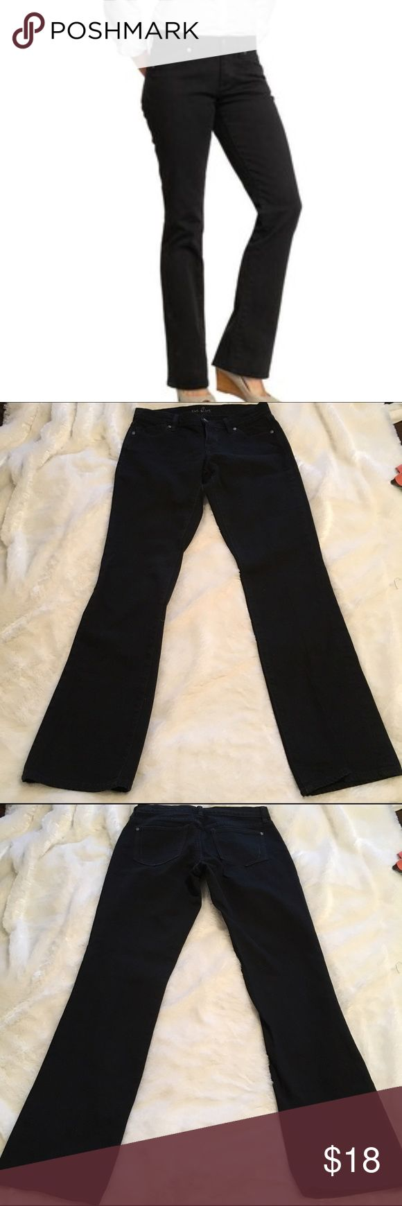 """Old Navy Flirt Black Mid-Rise Bootcut Jeans Old Navy Flirt Black Mid-rise Bootcut stretch jeans. Size 2. In like new condition. No fade to the black at all. 99% cotton, 1% spandex. Waist 14.25"""", rise 8"""", inseam 31"""". ❌NO TRADES ❌NO LOWBALLING❌ Old Navy Jeans Boot Cut"""