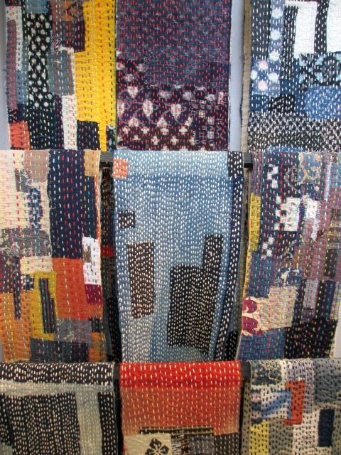 Akiko Ike, artiste textile japonaise, qui a inventé le Chiku Chiku (l'Art du Dessus Dessous, en référence au mouvement de l'aiguille et du fil qui permettent d'assembler des morceaux de tissus). Found on http://misst.canalblog.com/ -- blog am21