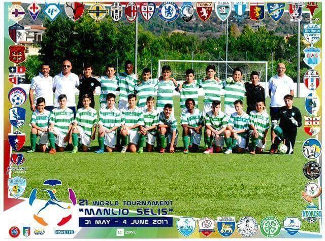 Foto di gruppo per la formazione della San Paolo Cagliari che ha partecipato al 21 #Torneomanlioselis #LeCoqSportifCup #SeliStars