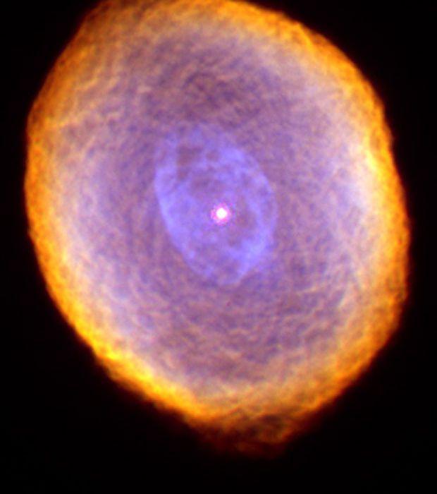 De beste foto's Hubble Herontdek aan de 125ste verjaardag van zijn astronoom vieren Delen op Facebook1864Ontvang nieuwsbrief Er zijn 125 jaar geboren Edwin Hubble, de Amerikaanse astronoom, bekend voor zijn werk aan nevels en sterrenstelsels. Om de gebeurtenis te markeren, (her) ontdekken 20 prachtige beelden van deze sterrenstelsels gevangen genomen door de Hubble Space Telescope.  En savoir plus…