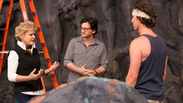 Judge Lilly Kilvert and host Ben Mankiewicz with Craig Pavilionis, one of the first contestants on SyFy's Hot Set.  [S01 E0101]