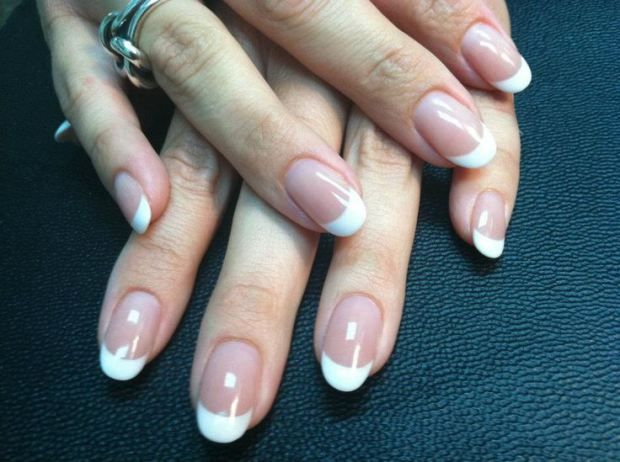 Hottest nail Trends For Fall And Winter 2015/16 <3 Rounded Nails <3 #hottest #trend #fall #winter #nail #art #design #manicure #OPI #Matte #rounded #white