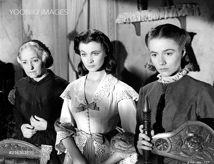 GONE WITH THE WIND [US 1939] [L-R] LEONA ROBERTS, VIVIEN LEIGH as Scarlett O'Hara, ALICIA RHETT