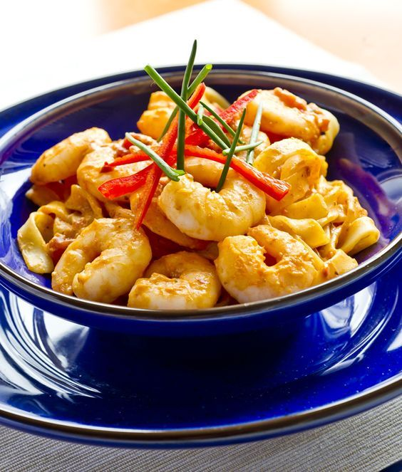 Sweet Chilli Prawn Pasta -  A delicious and super easy prawn pasta dish. One the whole family will love! - www.fishisthedish.co.uk/recipes/sweet-chilli-prawn-pasta