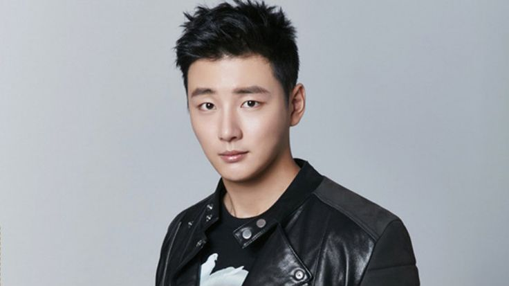 Yoon Shi Yoon Reveals The Secret To His Youthful Appearance, And More | Soompi